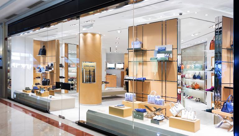 How To Sell Designer Handbags Online As a Beginner